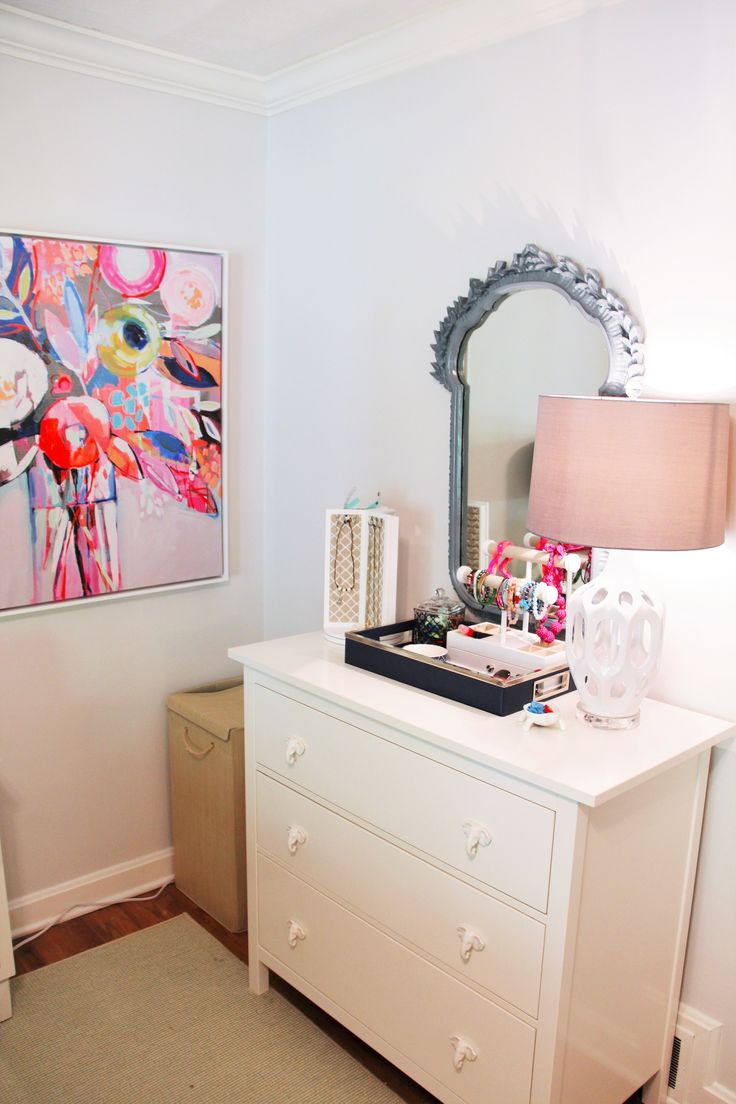 Pops of color meets mod white in this teen bedroom   Refresh your teen's bedroom to last! Add modern touches in fresh colors with pops of fun! Sophisticated and modern, its sure to last until college!   Sumptuous Living   http://sumptuousliving.net/modern-teen-bedroom/