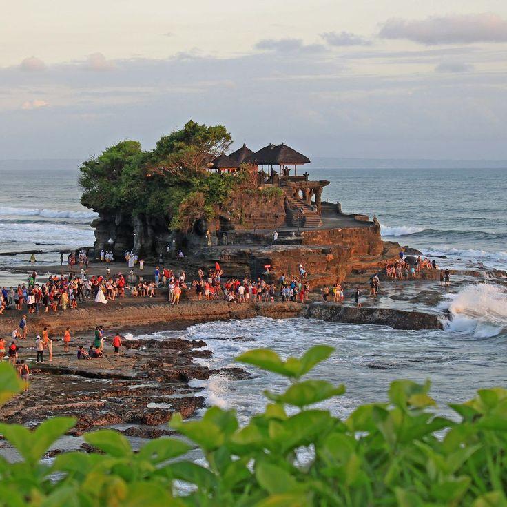 Touristy but still worth the trip. Tanah Lot Bali Indonesia #tanahlot #sunset #skyporn #temple #pura #hindu #hinduism #bali #igersbali #ulimitedbali #balidaily #balilife #indonesia #wonderfulindonesia
