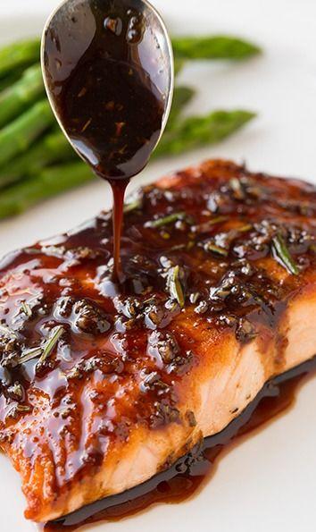 Balsamic Rosemary Glaze 1/2 cup balsamic vinegar 1/4 cup white wine 2 Tbsp honey 1 Tbsp dijon mustard (I like Emeril's) 1 Tbsp chopped fresh rosemary, divided 1 cloves garlic, finely min ed 4 (6 oz) salmon filets