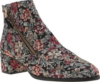 Red Or Dead Multi Patsy Parker Womens Boots Ladies, allow us to introduce you to the Patsy Parker from Red or Dead. The fabric ankle boot is adorned in multi-coloured vintage floral embroidery, with an asymmetric zipper fastening and 5cm heel c http://www.comparestoreprices.co.uk/january-2017-8/red-or-dead-multi-patsy-parker-womens-boots.asp