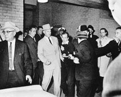 Jack Ruby shoots Lee Harvey Oswald  1964 Pulitzer Prize, Photography, Robert Jackson