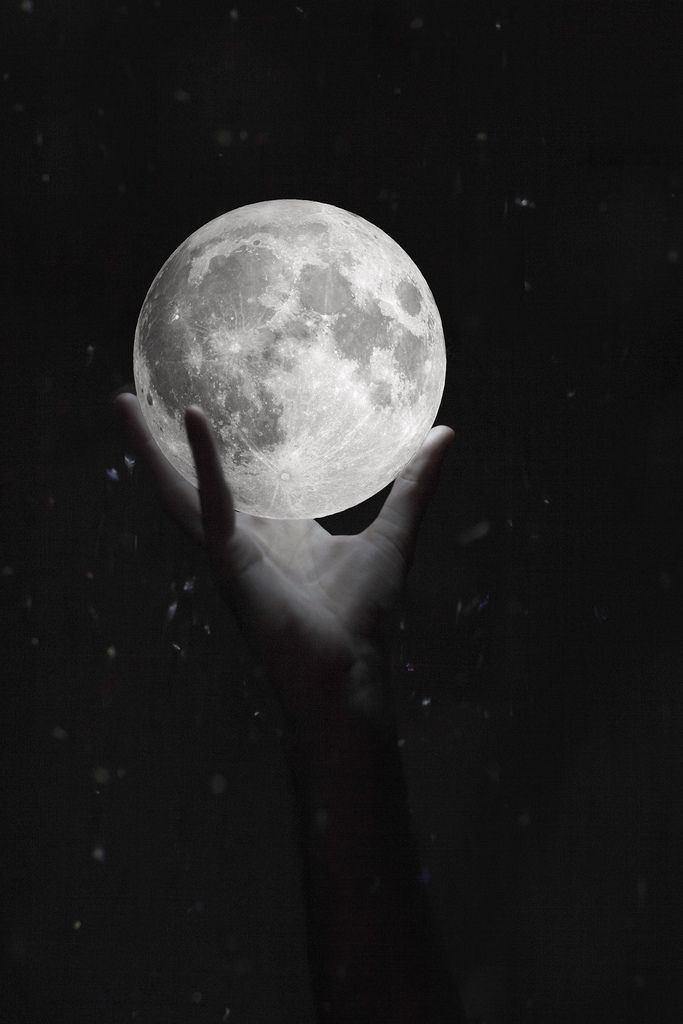 capture the moon.- Pinned by The Mystic's Emporium on Etsy