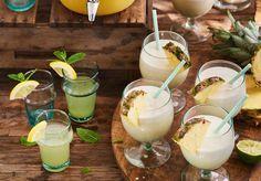 Met die warme zomerdagen in het vooruitzicht hoeven we het drinken van cocktails heus niet tot het weekend te beperken. En helemaal niet met dit verantwoorde recept voor piña colada vanRens Kroes.