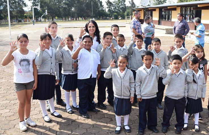 El director del plantel externó su agradecimiento al Gobierno Estatal y mencionó que es grato que se fortalezca a las escuelas, ya que hace años se tienen necesidades que no habían sido atendidas