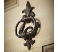 A classic door knocker in an elegantly curvy silhouette    #Classic elegance