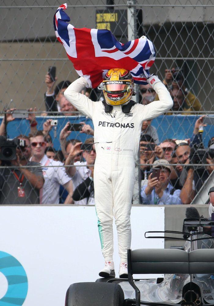 Παγκόσμιος πρωταθλήτης ο Λιούις Χάμιλτον-γράφει ιστορία στην F1 |thetoc.gr