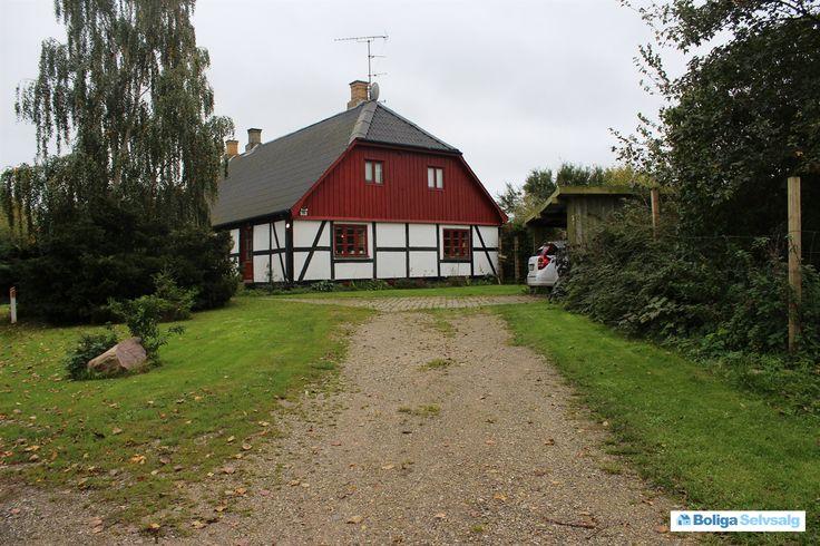 Juellingevej 10, Tågerup, 4653 Karise - 238 m² villa beliggende i landzone omgivet af åbne marker. #villa #karise #selvsalg #boligsalg #boligdk