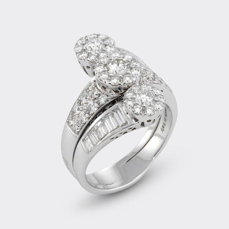 A beautiful diamond ring by ponte vecchio gioielli #engagement #weddinginspiration