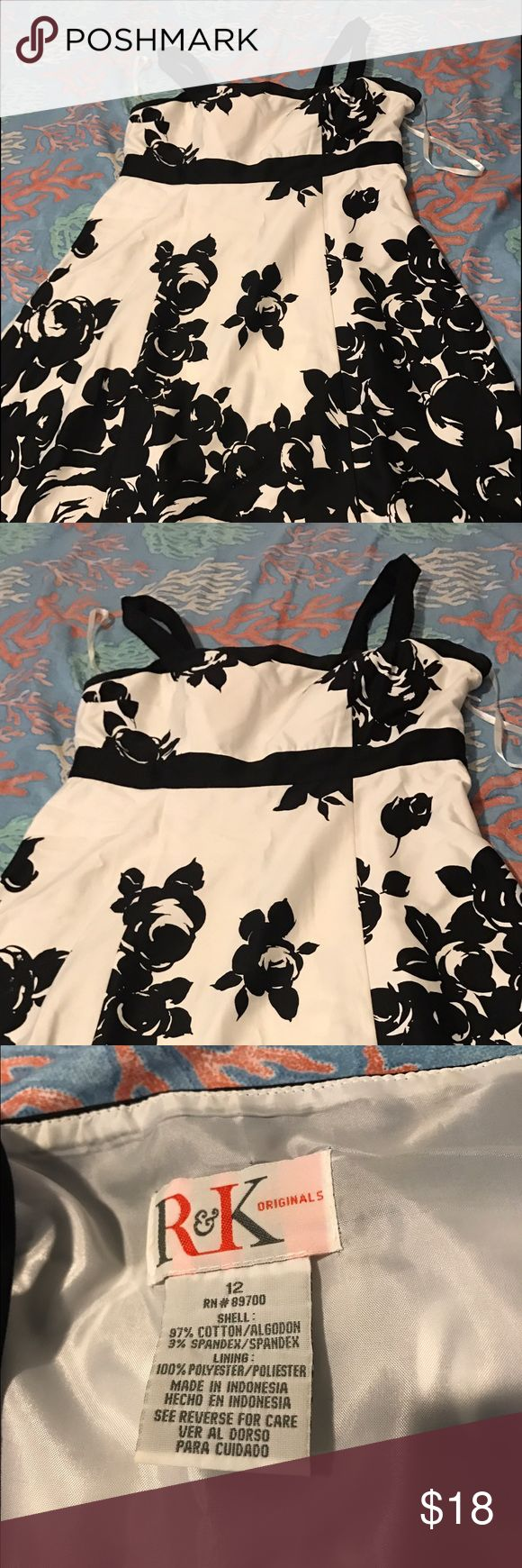 Black and White Summer Dress 👗 Sleeves summer dress is floral (black and white) flare, size 12.   Good condition. Willing to negotiate 😉 Dresses Midi