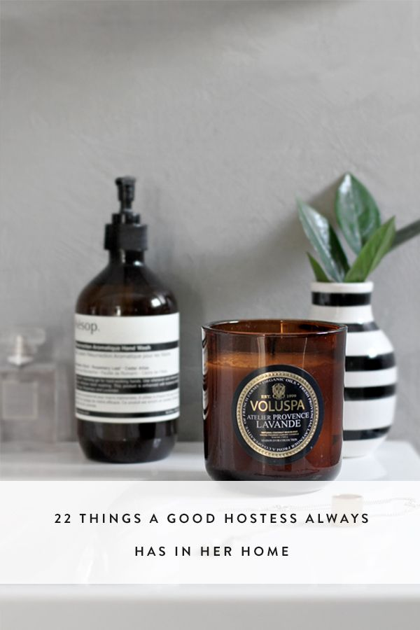 22 Things a Good Hostess Always Has in Her Home