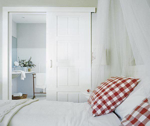Puertas correderas integradas a la decoración del dormitorio                                                                                                                                                                                 Más