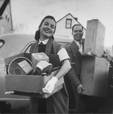 For more like us on Facebook, www.facebook.com/DumboMoving ............................................................... Moving day, 1940s style. #vintage #moving #couple