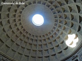 El oculo del Panteon de Agripa, Roma.