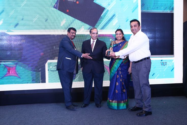 SEAGATE TECHNOLOGY receiving the award for BEST INTERNAL & EXTERNAL HARD DISK DRIVE from Mr. Deepak Sahu, Publisher & Group Editor, VARINDIA and SPOI, Mr. Vipin Tyagi, Executive Director – C-DOT and Ms. S. Mohini Ratna, Editor, VARINDIA