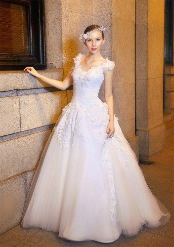 Abito da sposa stile impero a 990 euro su Sposae.com