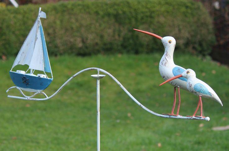 Metalen windspel met zeilboot en 2 vogels wit met blauw en oranje WS455, te koop bij www.robanjer.nl