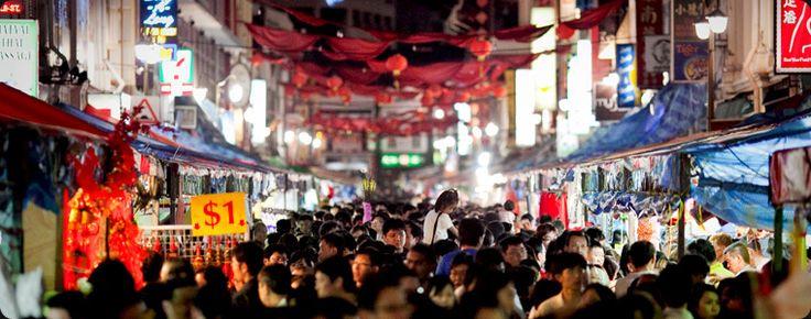 Shopping in Singapore's Chinatown during Chinese New Year - Cheryl Herweg