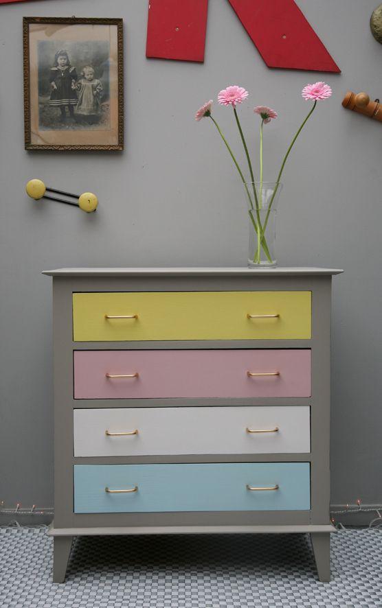 meuble vintage brocante en ligne meubles pinterest pastel drawers and nurseries. Black Bedroom Furniture Sets. Home Design Ideas
