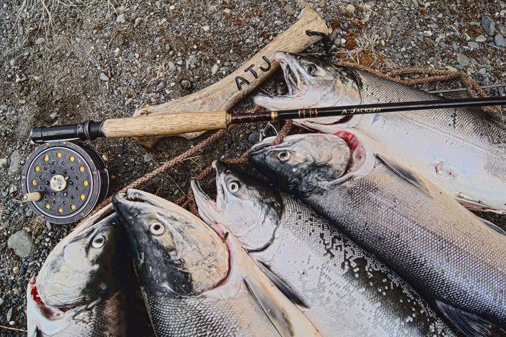 Как правильно выбрать нахлыстовую снасть - http://free-fishing.ru/rybolovnye-snasti/kak-pravilno-vybrat-nakhlystovuyu-sn/ Ловля нахлыстом является одной из наиболее древних и распространенных' широко применяется рыбаками и в наши дни. Ловят таким способом лосося, хариуса форель, язя, голавля, же�