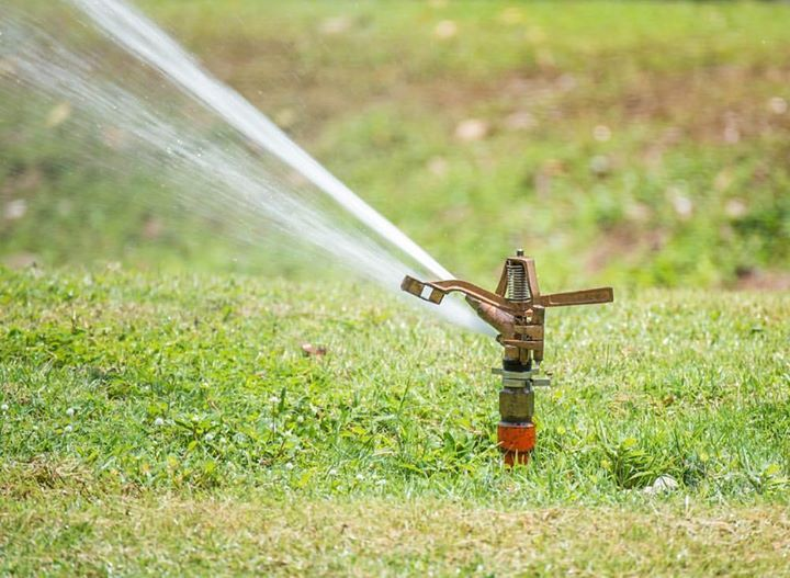 2. DRIP SYSTEM   The Top 5 Best Lawn Sprinklers: Why Do We Need One?  Read more at: http://ift.tt/2jwzayg  Follow my blog by clicking the link in my bio (profile) @lucy.gardenambition http://ift.tt/2hSaEHQ  Tags: #garden #gardens #gardening #gardena #gardener #gardenia #gardenparty #gardenlife #gardenlove #gardencity #gardendesign #gardenfresh #gardengrove #gardenstate #gardenroute #gardenlovers #gardenambition #instagardeners #gardenactivist #urbangarden #communitygarden…
