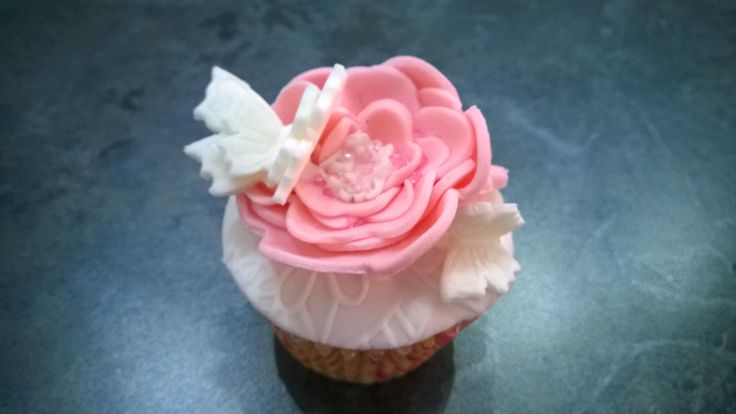 Farfalle, butterfly, fiori, flower, rosa, Pink, bianco, White, fondant, fondent, pasta di zucchero, mini cakes, cakes ,pdz, mmf, sweetopia
