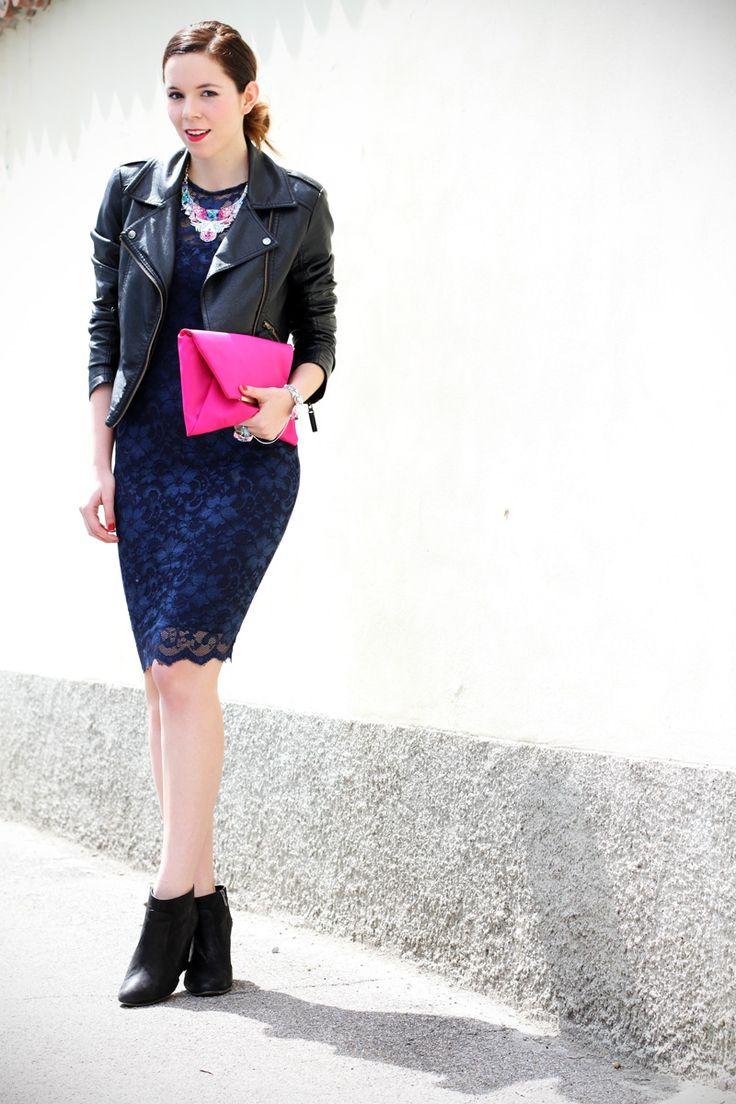 #fashion #fashionista @Irene Colzi  casual chic   outfit   look   streetstyle   look casual   outfit casual   swarovski   vestito pizzo   tubino di pizzo   stivaletti 3
