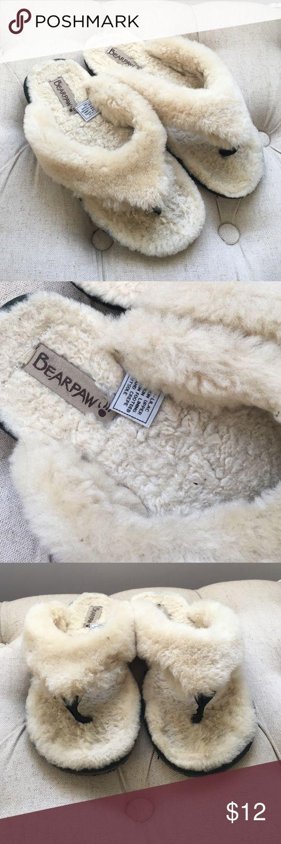 Sheepskin slipper flip flops Size 9 sheep skin slipper flip flops with rubber sole. BearPaw Shoes Slippers