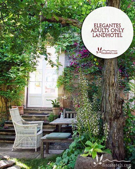 Das kleine Hotel Agroturismo Son Viscos Valldemossa ist eine ruhige Oase auf Mallorca abseits des Massentourismus. Das charmante Adults only Landhotel bietet Zimmer mit modernem Interieur inmitten eines üppigen, verwunschenen Gartens.