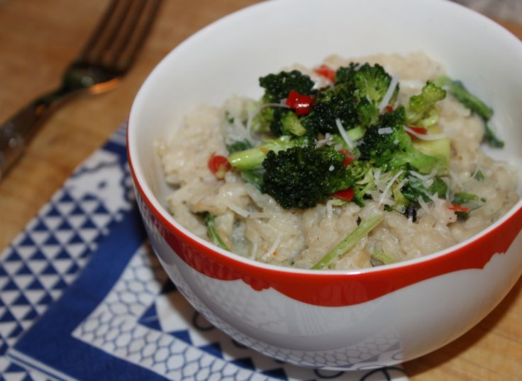 Rocket and ricotta risotto with chilli infused brocolli. http://jennieeatsitaly.tumblr.com/post/59380701739/rocket-and-ricotta-risotto-with-chilli-infused-broccoli