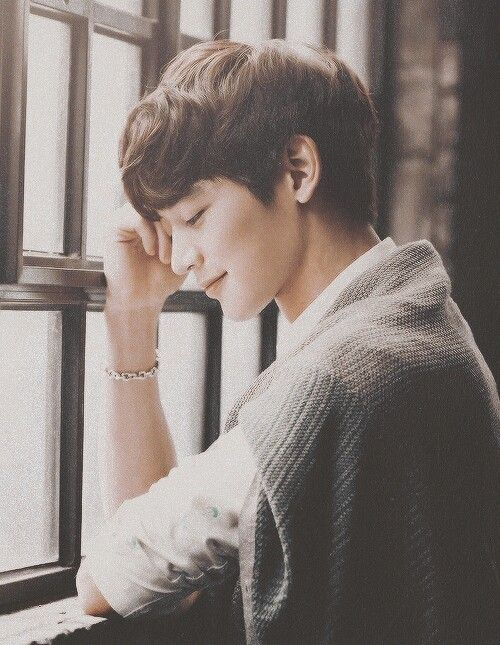 Minho - I like it that his smile always, always looks sincere and genuine