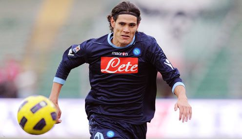 Manchester City manager Roberto Mancini wants to sign Napoli striker Edinson Cavani, his assistant Angelo Gregucci has claimed.