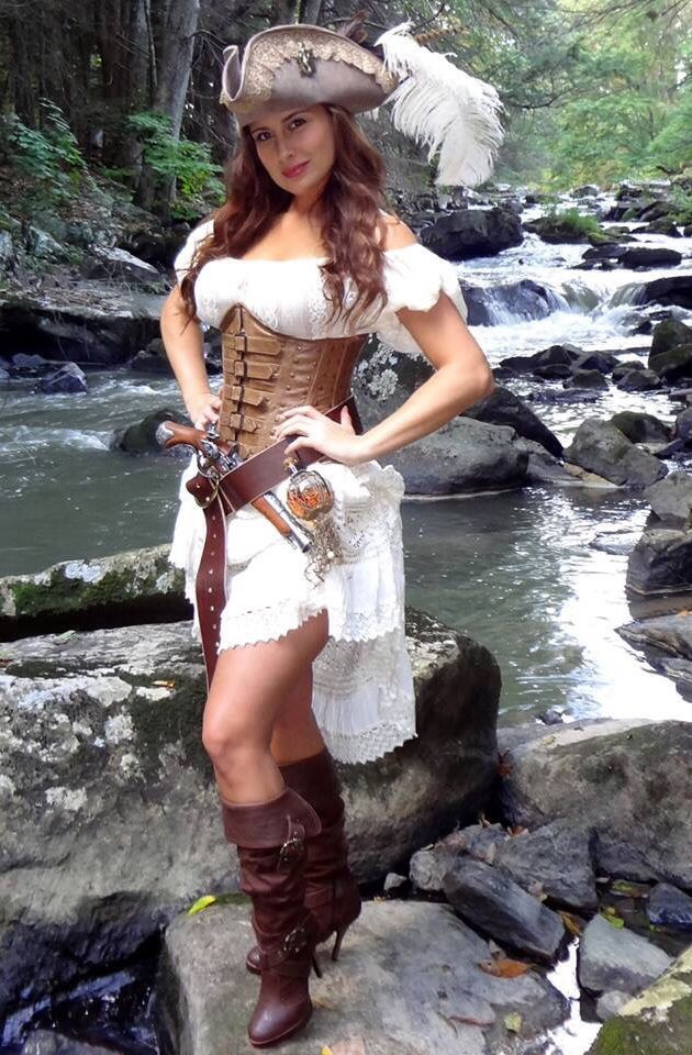 Pirate Wench, Corset, Pirate Hat, Pirate Fashion, Mystic Corsets