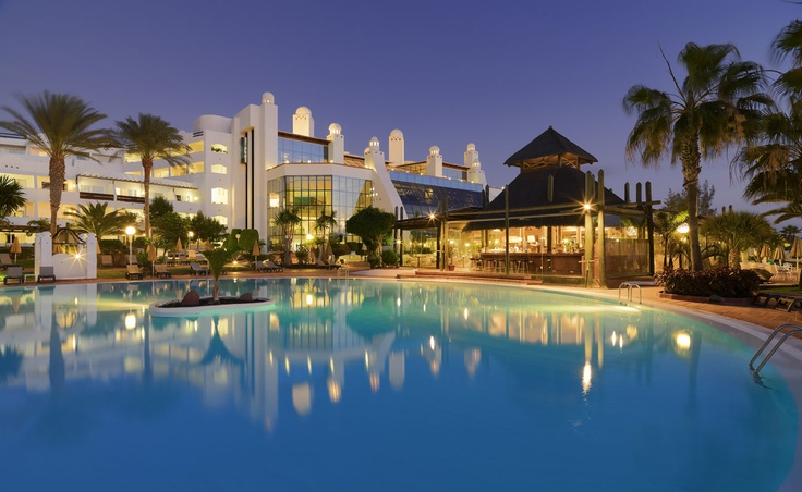 Swimming pool night view #h10 #h10hotels