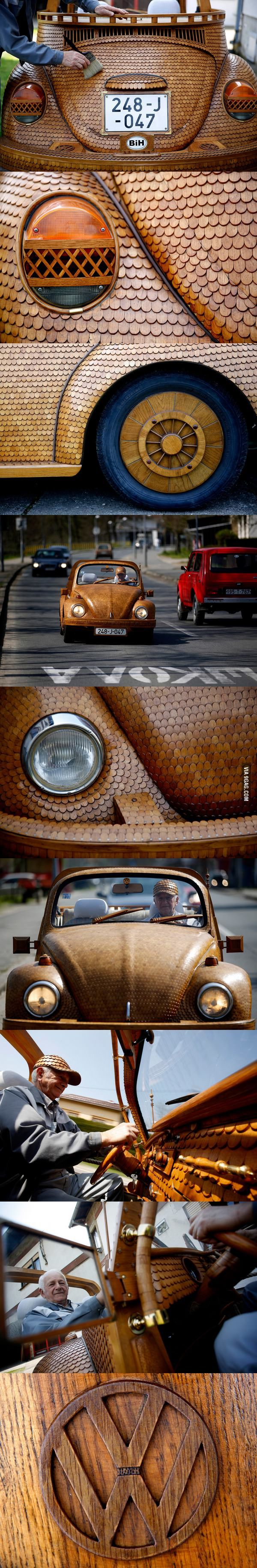WOW !!! -  . A Bosnian man made this wooden Volkswagen Beetle out of over 50,000 pieces of oak