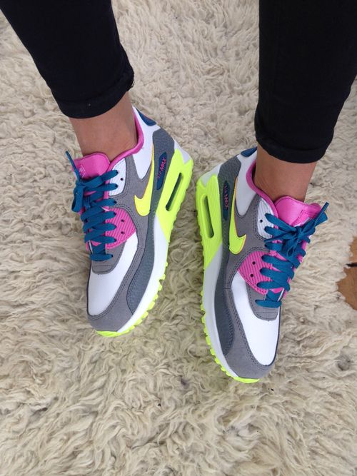 new styles fdbd1 73ef3 nike air max 90    SneakFreek in 2019   Pinterest   Nike shoes, Running  shoes nike and Nike basketball shoes