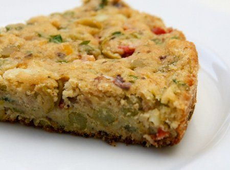 Para quem quer um lanche ou aperitivo prático ou até um acompanhamento diferente para uma refeição, esta receita de torta de sardinha é a pedida certa!