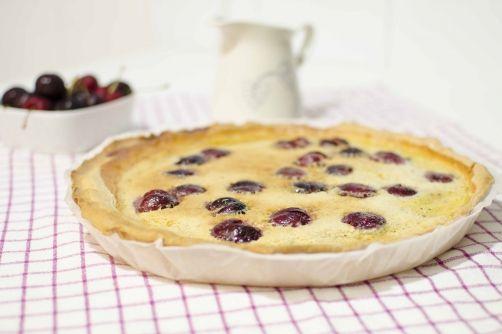 Tarta de cerezas para #Mycook http://www.mycook.es/receta/tarta-de-cerezas/