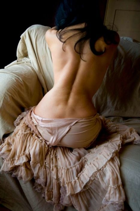 how can anyone not love to see a women's body, its art at it's finest.. beautiful picture..a