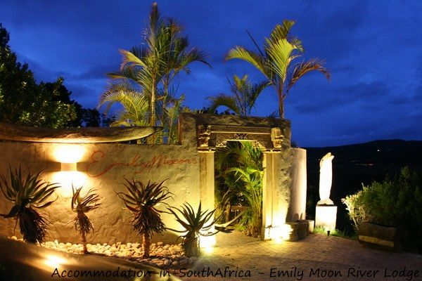 Welcome at Emily Moon River Lodge. Accommodation at Emily Moon River Lodge. Plettenberg Bay accommodation. Accommodation in Plettenberg Bay.
