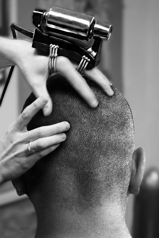 hand_vibrator_head_massage in action