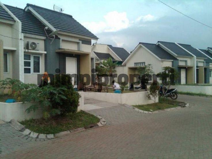 #DijualRumah Siap Huni dan harga yang terjangkau di Sentul City, Bogor. Rumah dengan Luas Bangunan: 36 m2 dan Luas Area: 92 m2  Apakah anda berminat untuk membeli rumah ini? Langsung cek Informasi lengkapnya di situs pencarian properti #Mimpiproperti dengan membuka link dibawah ini : http://mimpiproperti.com/properti/rumah-dijual-babakan-bogor-rumah-dijual-di-sentul-city-bogor-20141016102831840.html