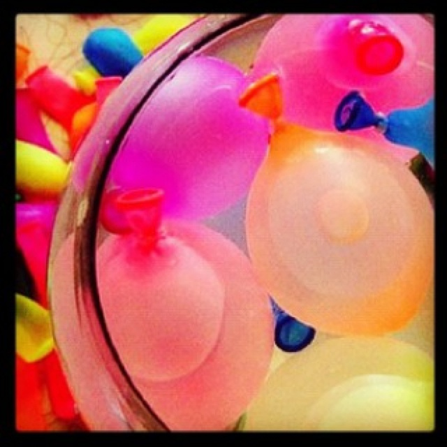 Waterballon gevecht | Waterballoon fights #game
