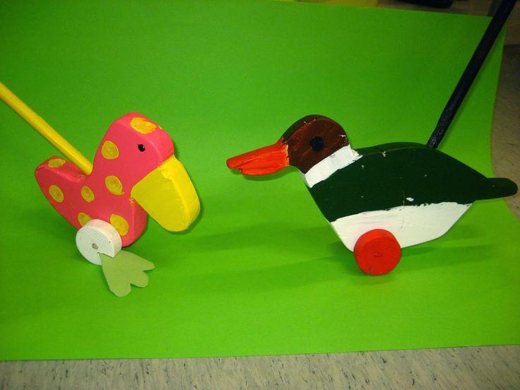 Rapu, hai ja dinosaurus.       Työntölelut: pingviinit             Ankka -työntölelut. Räpylät tekonahasta.       Sinisorsa ja piraij...