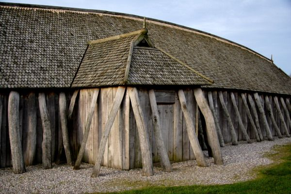 This viking house reconstruction at the fyrkat viking for Fortress house
