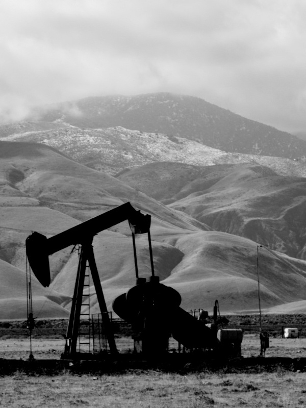 Oil Industry Photos from the San Joaquin Valley. B+W by We See., via Behance
