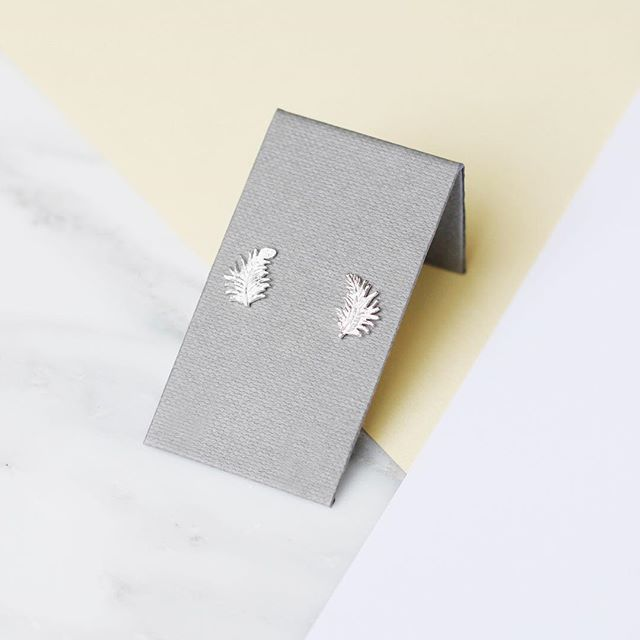 Have you spotted our Brand New 'Next Day Delivery' section in our Gift Finder? We've put together a selection of jewels that we can get to you in time for those last minute gifts and occasions!  .  #Silver #Feather #Earrings #Studs #NextDayDelivery #Gifts #Urgent #Easy #GiftFinder GiftsForHer #Jewellery #Jewelry #DowerAndHall