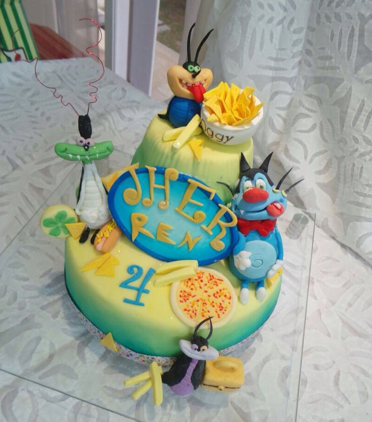 Oggy and the cockroaches fondant cake