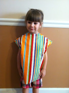 Washable paint smocks from a vinyl tablecloth! so smart!