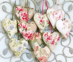 heart sachets made out of vintage hankies!  ♥