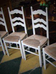 4 geschilderde knopstoelen, eetkamerstoelen, met biezen zitting. Antieke Hollandse stoelen, met authentieke biezen zitting. Per 4 st. € 119,-